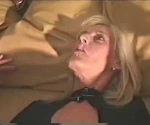 Very deep creampie in moms